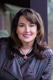 Author Sherrilyn Kenyon profile image - Click to see author details