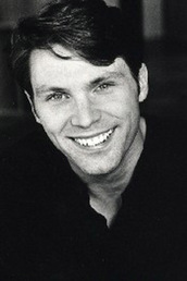 author Oliver Wyman  profile image - Click to open Featured Narrator panel