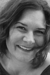author Stephanie Elliot profile image - Click to open Featured Author panel