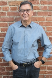 author Lawrence Ingrassia profile image - Click to open Featured Author panel