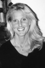 author Elin Hilderbrand profile image - Click to open Featured Author panel