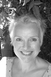 author Catriona McPherson  profile image - Click to open Featured Author panel