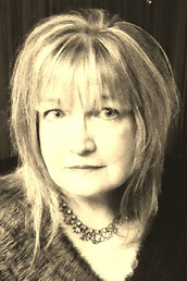 author Melanie Rawn  profile image - Click to open Featured Author panel