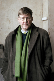 author Alan Bennett profile image - Click to open Featured Author panel