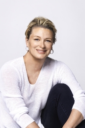 author Kristin Hannah profile image - Click to open Featured Author panel