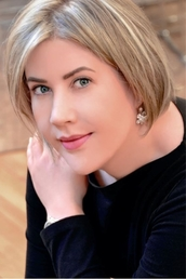 author Sarah Addison Allen profile image - Click to open Featured Author panel