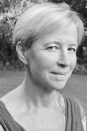 author Therese Anne Fowler profile image - Click to open Featured Author panel