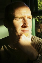 author Gareth Murphy  profile image - Click to open Featured Author panel