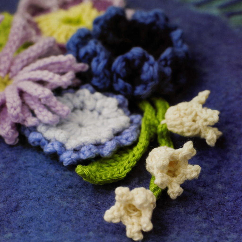 100 flowers to knit crochet lesley stanfield macmillan 100 flowers to knit crochet showcases a lush bouquet of blossoms perfect for embellishing your favorite clothing or accessories izmirmasajfo